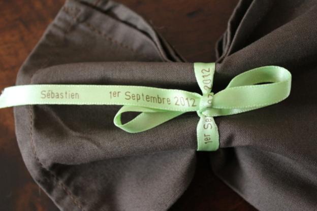 Ajoutez une touche personnelle et poétique à vos évènements avec des rubans de satin.