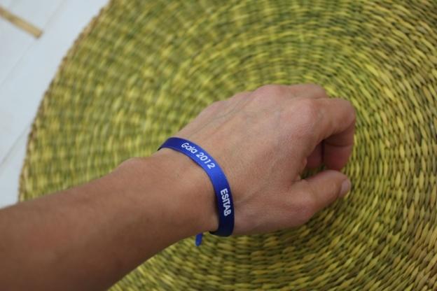 Bracelet en satin imprimé: personnalisez votre gala de fin d'année!