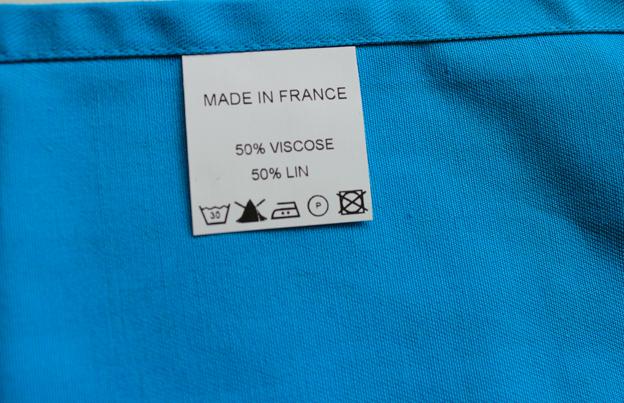 Étiquetage des vêtements : n'oubliez pas l'étiquette de composition !