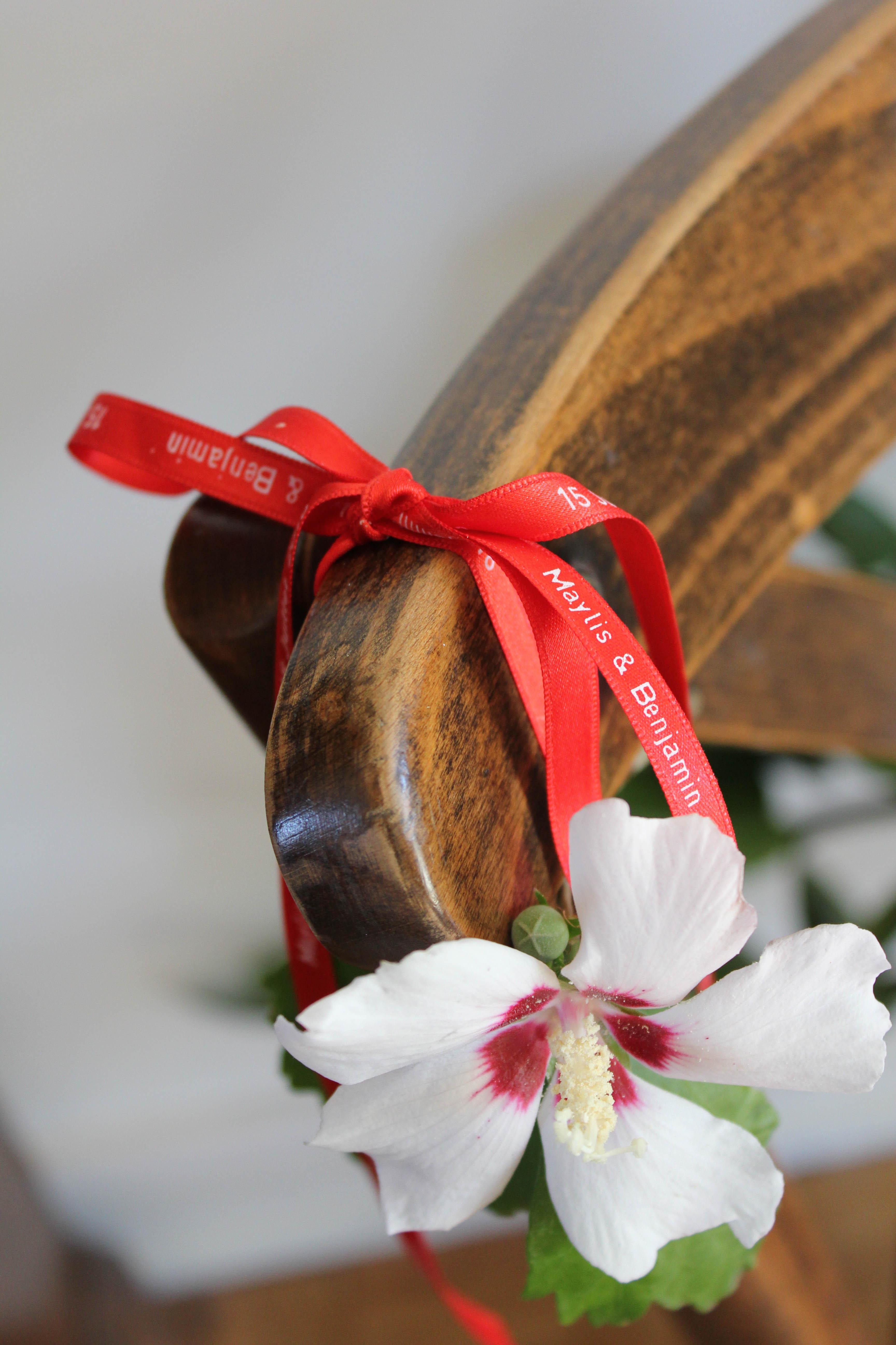 Décorez vos chaises lors de vos réceptions et cérémonies !