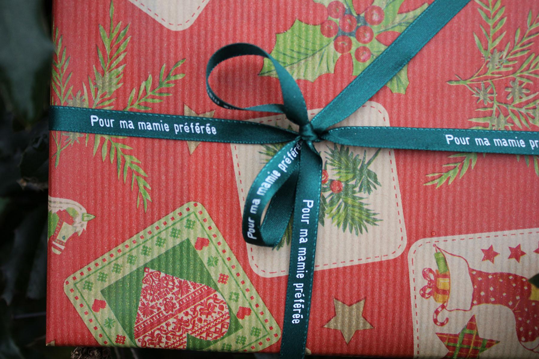 Personnalisez vos cadeaux avec des rubans en satin