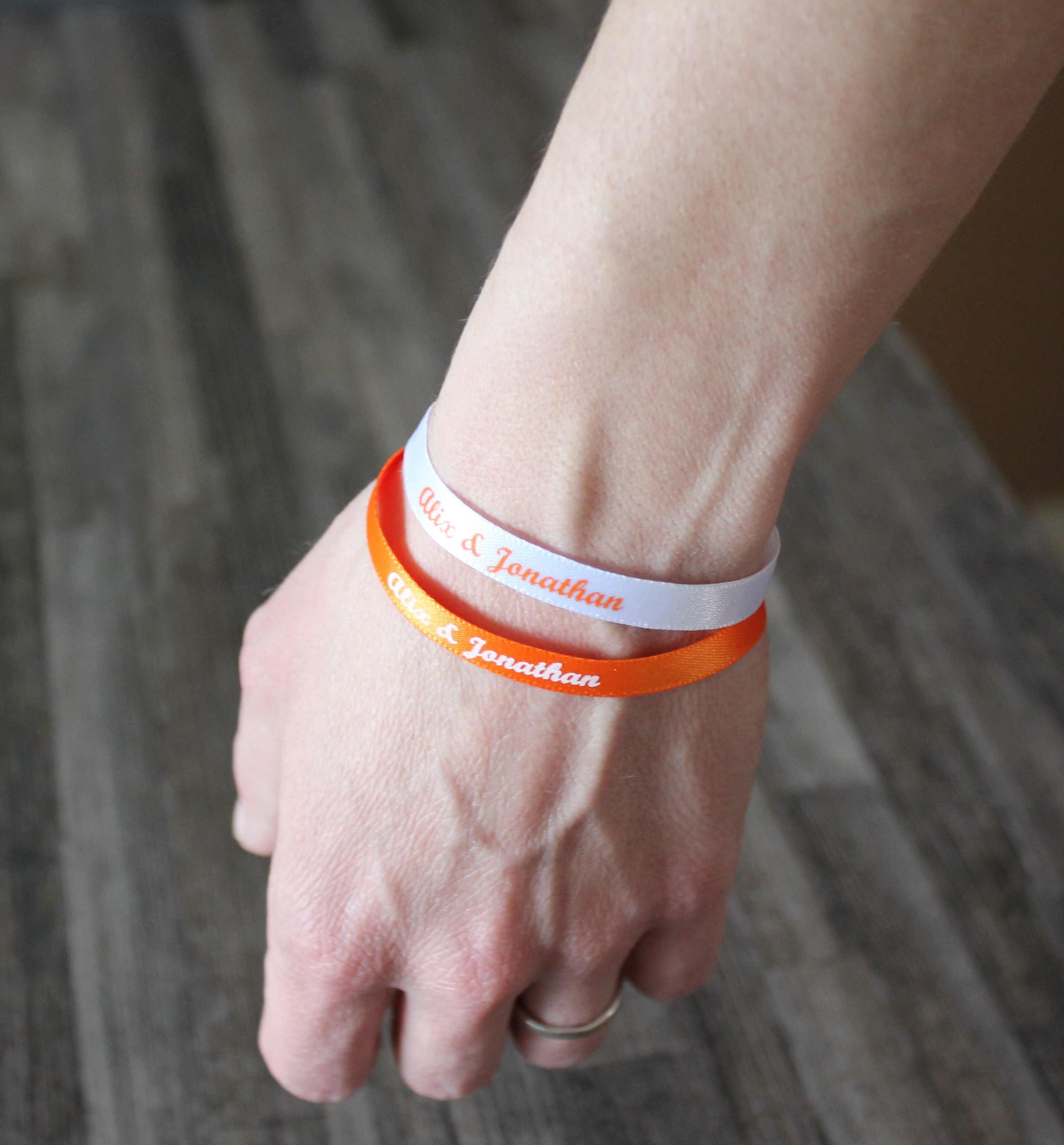 Soyeux et doux ! Des bracelets en satin pour les grands moments de votre vie.