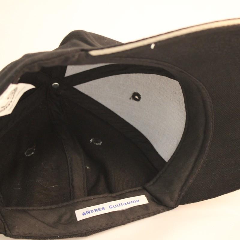 Un moyen efficace contre la perte des vêtements : les étiquettes tissées personnalisables