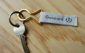 Personnalisez votre porte clé avec des étiquettes tissées !